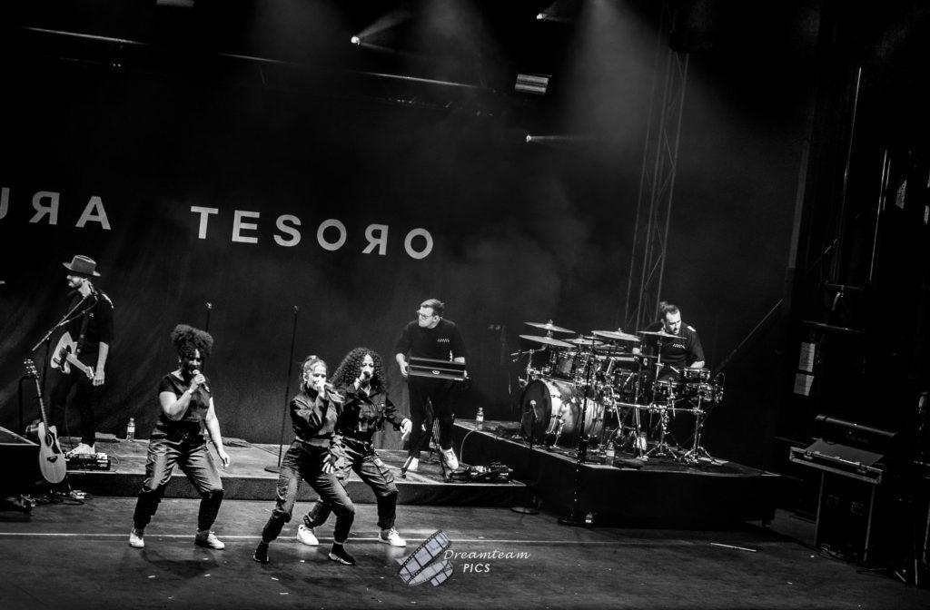 Laura Tesoro - Limits - Laura Tesoro